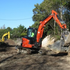Pronto Hire Excavators in action