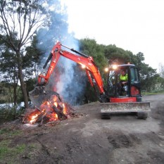 Pronto Hire Kubota U55 at bonfire site