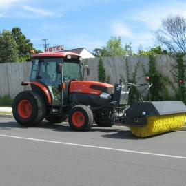 Kubota L5740 Sweeper