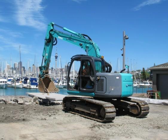 Pronto Hire Kobelco SK135SR Digger