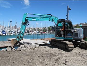 Pronto Hire Kobelco SK135SR Excavator