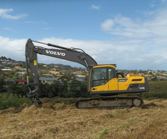 Volvo EC220DL quality excavator
