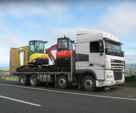Pronto Hire DAF XF Transporter Truck
