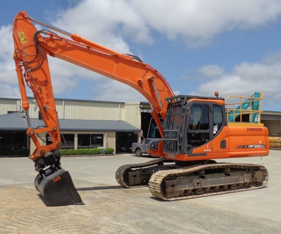 Doosan DX225 Excavator Pronto Hire
