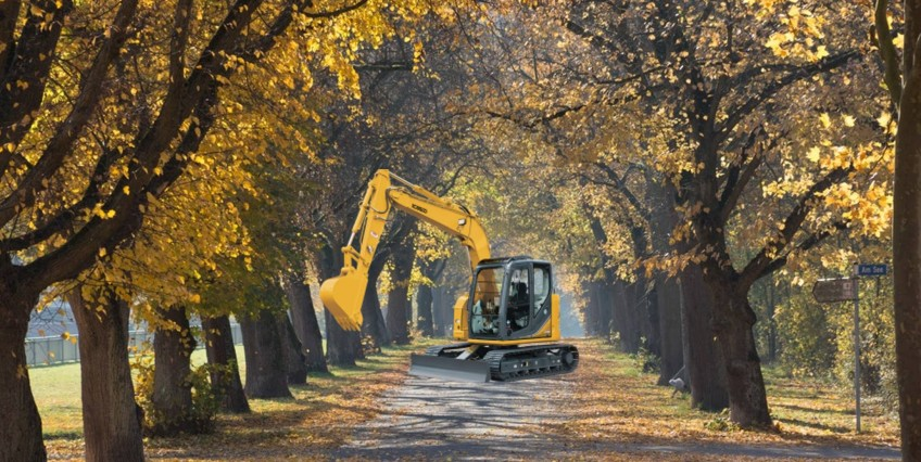 Pronto Hire's Kobelco in Autumn